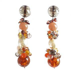 Orecchini ambra, perle, adularia granato, quarzo fumè e argento rodiato