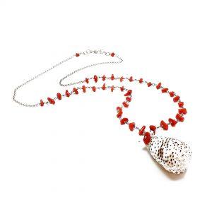 Collana lunga da donna in argento con corallo rosso e pendente in conchiglia G2619