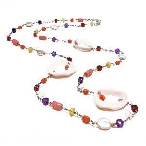 Collana lunga da donna con pietre colorate, conchiglie e argento G8219