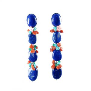 Orecchini lunghi con ovali in lapislazzuli blu e grappoli di corallo rosso e turchese naturale OR1319