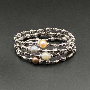 Braccali elastici da donna con perla centrale, ematite e argento BR9820